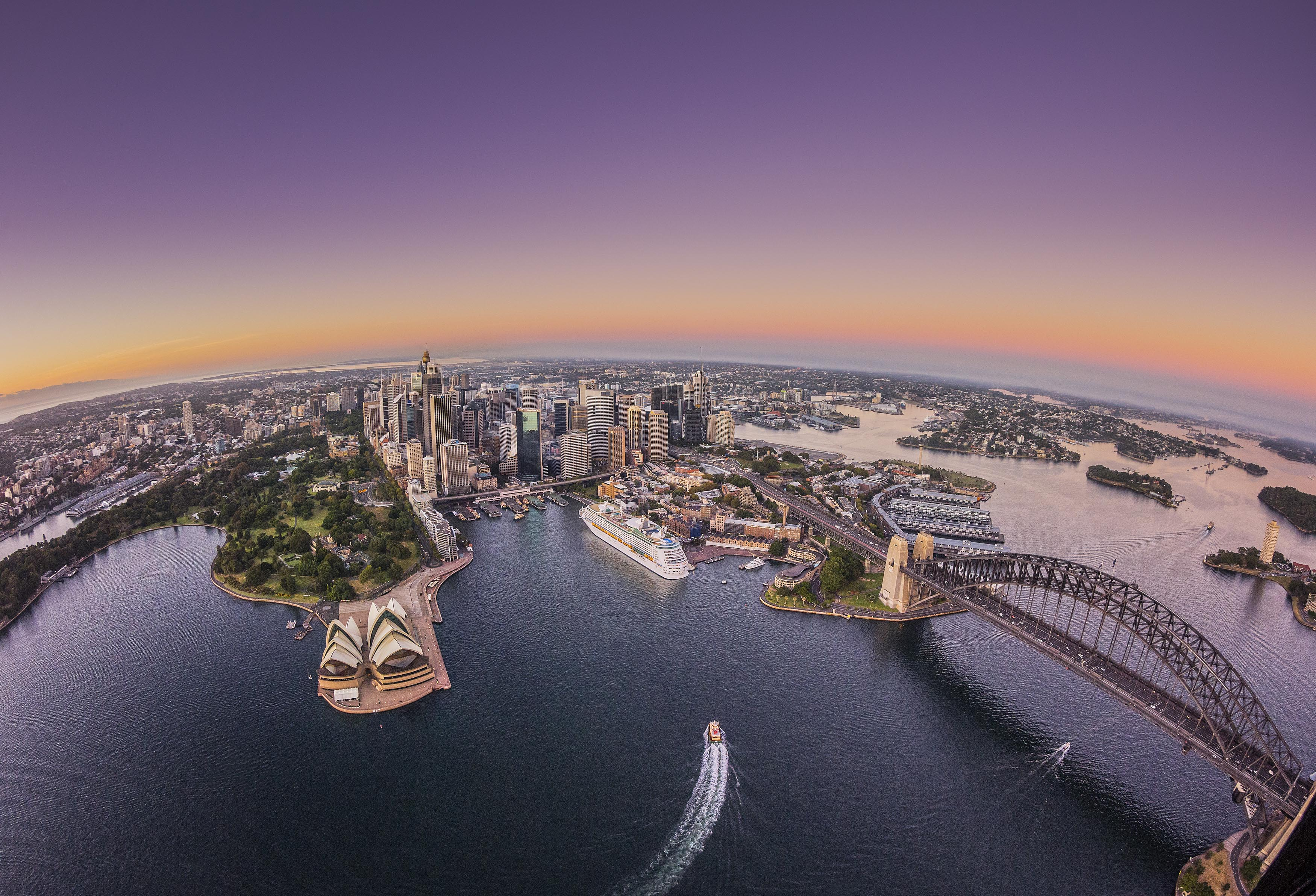 10 Million Visitors Expected To Head To Sydney This Summer