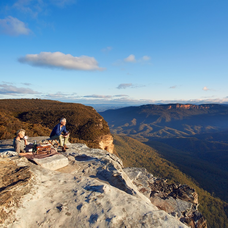 A couple picnic at the scenic Lincoln's Rock, Blue Mountains